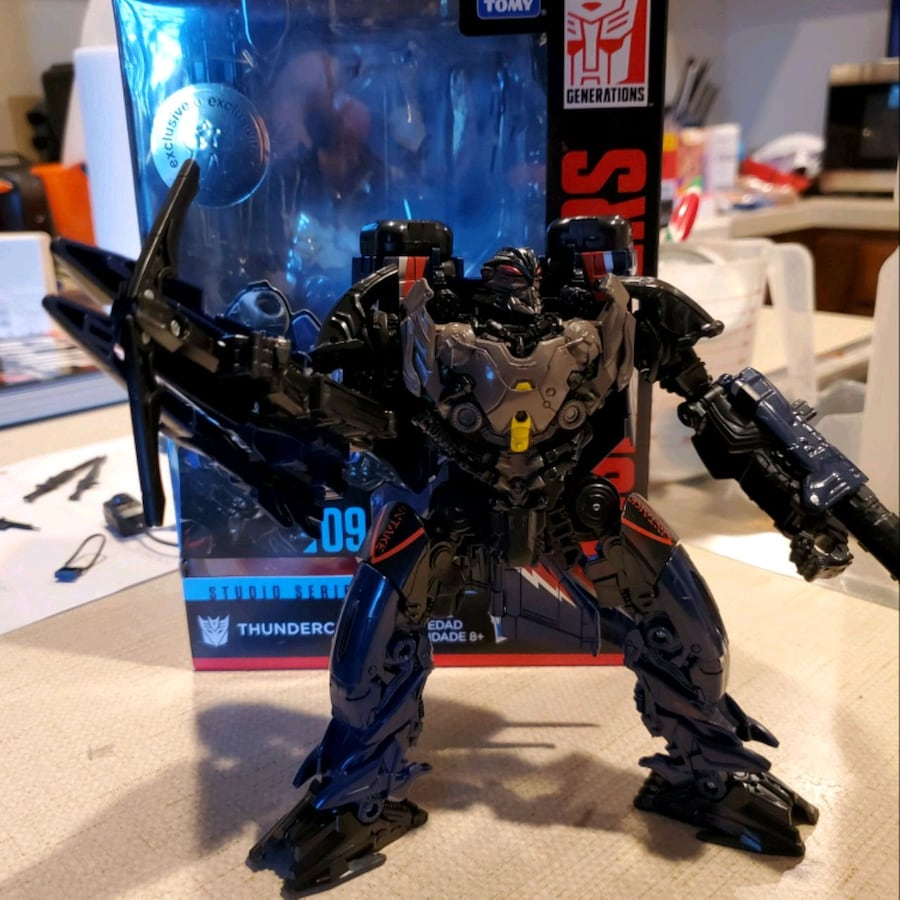 Transformer toys r us exclusive
