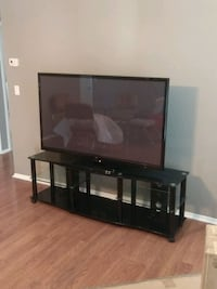 60in LG Smart TV 1080p HD with Stand 805 mi