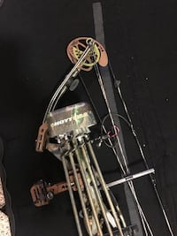 Left handed compound bow