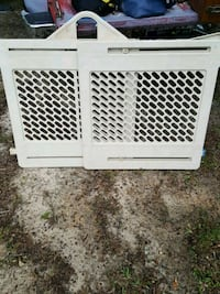 baby's white safety gate Abbeville, 29620
