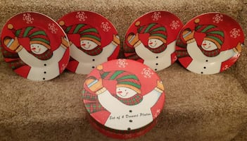 """8"""" Christmas Ceramic Plates Box of 4 plates NEW IN BOX"""