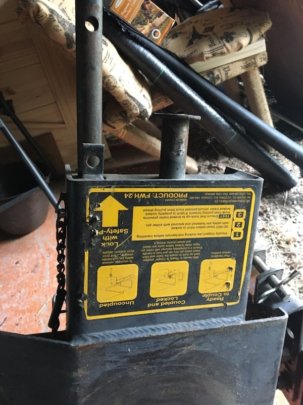 Fifth Wheel Hitch awesome condition
