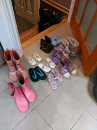 11 pairs of Boots and shoes girl Delson, J5B 1P5