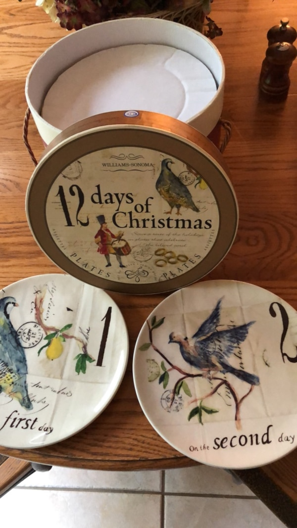 Williams Sonoma Christmas Plates.Williams Sonoma Christmas Plates
