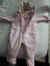 (0-3 Old Navy) Great Condition Snow Suite -feece