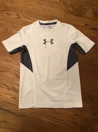 Boys UnderArmour Shirt Size Youth Small $3 Tempe, 85283