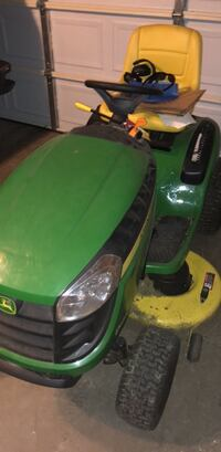 green and black ride on mower Belleville, 48111