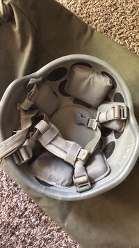 baby's gray and black car seat carrier North Las Vegas, 89081