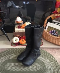 B.O.C. Black Leather Boots Size 8 Winthrop, 02152