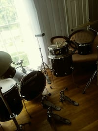 LUGWIG DRUMS SET AND DRUM PRTS  Stone Mountain, 30083