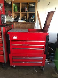 red Snap-On tool chest Chino, 91710