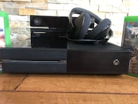 Xbox one set with Kinect and headset Toronto, M8V 4A7