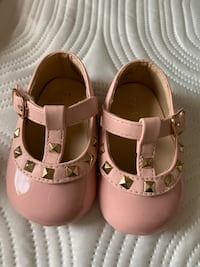 Baby girls shoes size 0-3 months Bradford West Gwillimbury, L3Z 0S3
