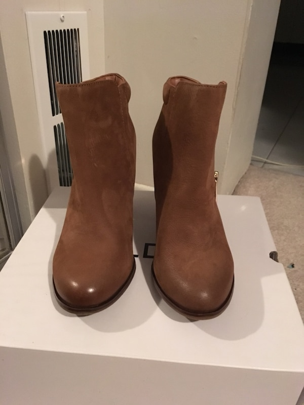Leather brown ankle boots c9182ef1-4962-4ce8-a74f-3683768b4f06
