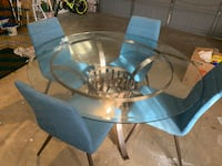 Round dining table + 4 free chairs Boca Raton, 33433