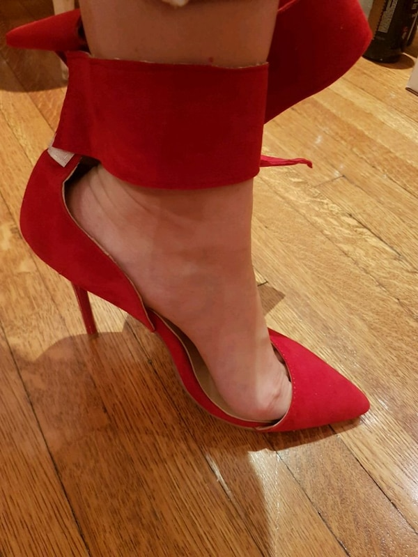 Womens red pointy toe pumps adcc1eec-5190-4a2e-a2fb-2dcd208a71db