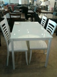 Dining Table with four chairs on sale   Phoenix, 85018