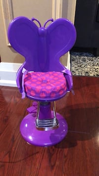Journey Girl hair salon chair Toronto, M6M 3S4
