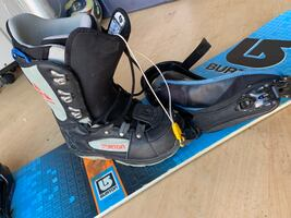 used snowboard 150 and 7.5 boots