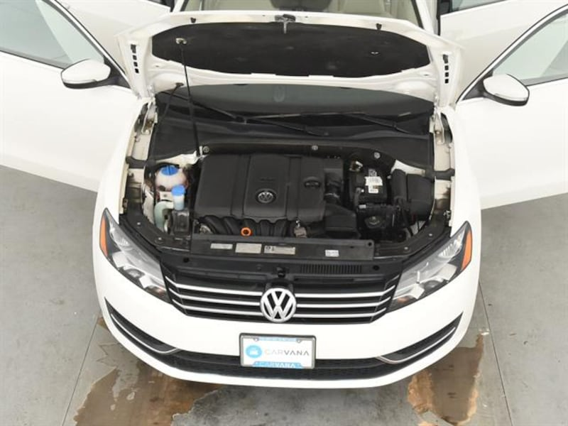 2013 VW Volkswagen Passat sedan 2.5L SE Sedan 4D White <br /> 3