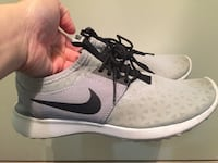 pair of gray Nike running shoes Port Coquitlam, V3B