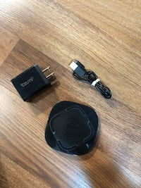 Wireless fast charging charger  Cambridge, N3C 4J9