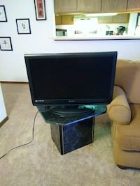 32 inch flatscreen- works great. No remote Madison, 53714