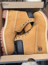 Pair of brown timberland work boots in box Vancouver, V6G 0A3