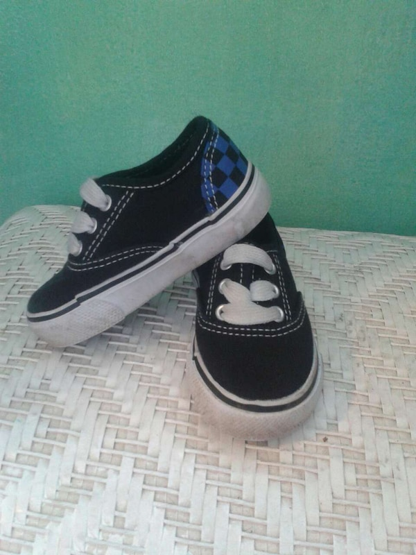 76be823e0b Used Boys Size 5  KIDGETS Vans-style tennis shoes for sale in Oceanside -  letgo