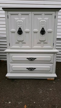 Dixie chest of drawers  Plymouth