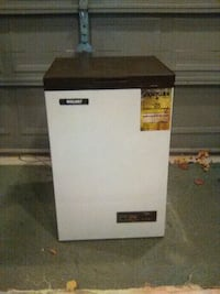 Compact Chest Freezer Townsend