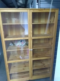 brown wooden framed glass display cabinet Pacific, 98047