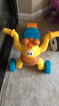 Little tikes go and grow lil rolling Giraffe ride on Rockville, 20852