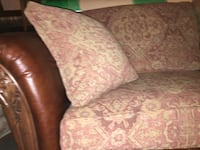 Couch Madera, 93636