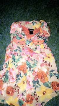 Floral button up  Eagle Point, 97524