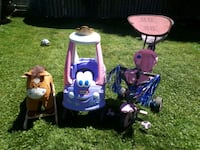 two blue and white car seats Burlington, L7P 1C2