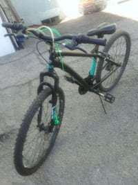 Great black and green hardtail mountain bike Los Angeles, 90004