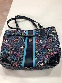 Beautiful authentic coach pure. Great gift for Xmas . Size is 14 inch by 11 Pickering, L1V 4X1