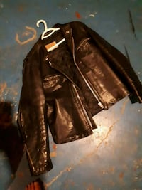 Black leather  St. Catharines, L2M 4S1