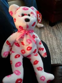 white and red bear TY beanie baby Columbus, 43228