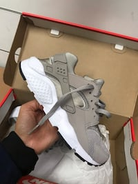 Brand new Huaraches  534 km