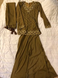 women's brown long-sleeved dress null