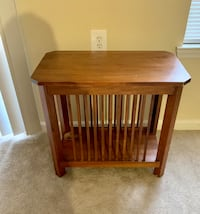 End table / bedside table