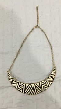 Gold-colored chain link necklace with lobster lock Port Coquitlam, V3B 1K9