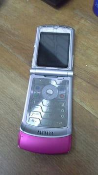 silver and pink flip phone Fuengirola, 29640