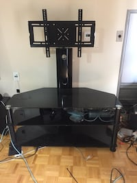 Tv stand  Mississauga, L5B 4G7