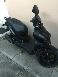 2019 genuine roughhouse scooter R50 has a little bit over 2000 miles on it barely used just reduced price must sell Deerfield Beach, 33441