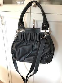 women's black leather shoulder bag London, N6P 1A9