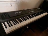 black and white electronic keyboard Mississauga, L5E 2S7