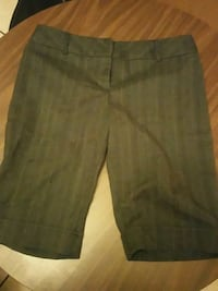 Knee length shorts size 7 Russellville, 72801